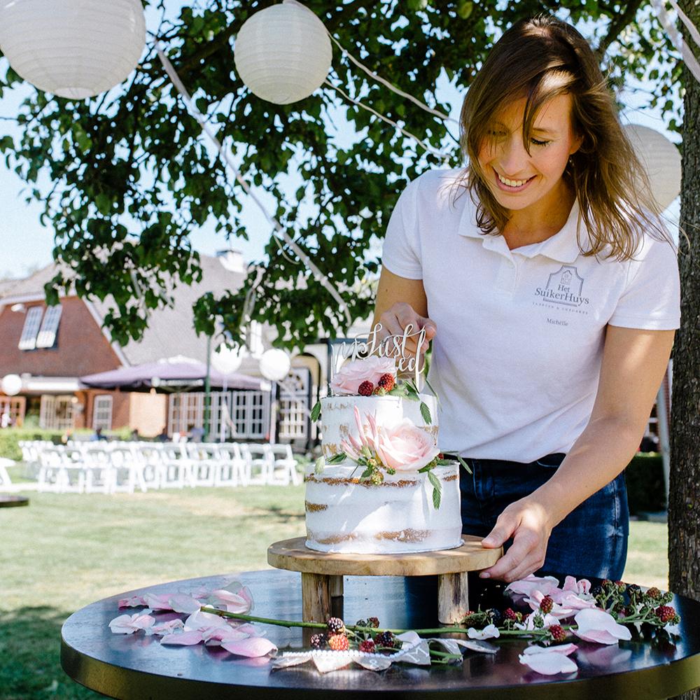 het_suikerhuys_video_sweettable_bruidstaart_cupcakes_donuts_cakepops-over-ons-michelle-scholten